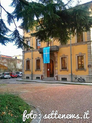 biblioteca esterno